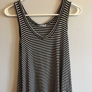 Acemi black and White tank top